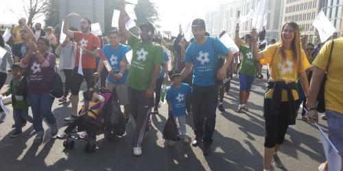 موظفو وصل يشاركون في مسيرة دبي للتعليم 2015
